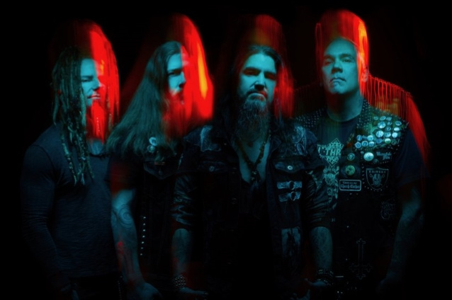 Видео MACHINE HEAD из студии